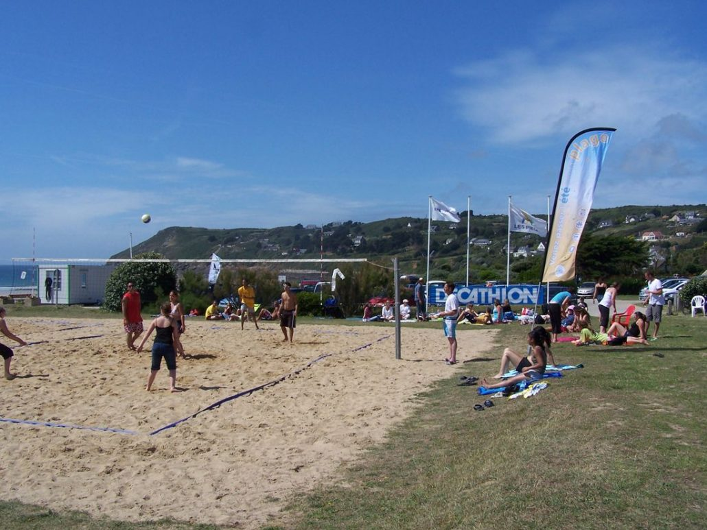 Pratiquer le beach-volley à Sciotot